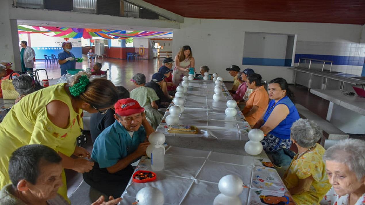 ACTIVIDAD EN EL HOGAR DEL ADULTO MAYOR SAN MATÍAS