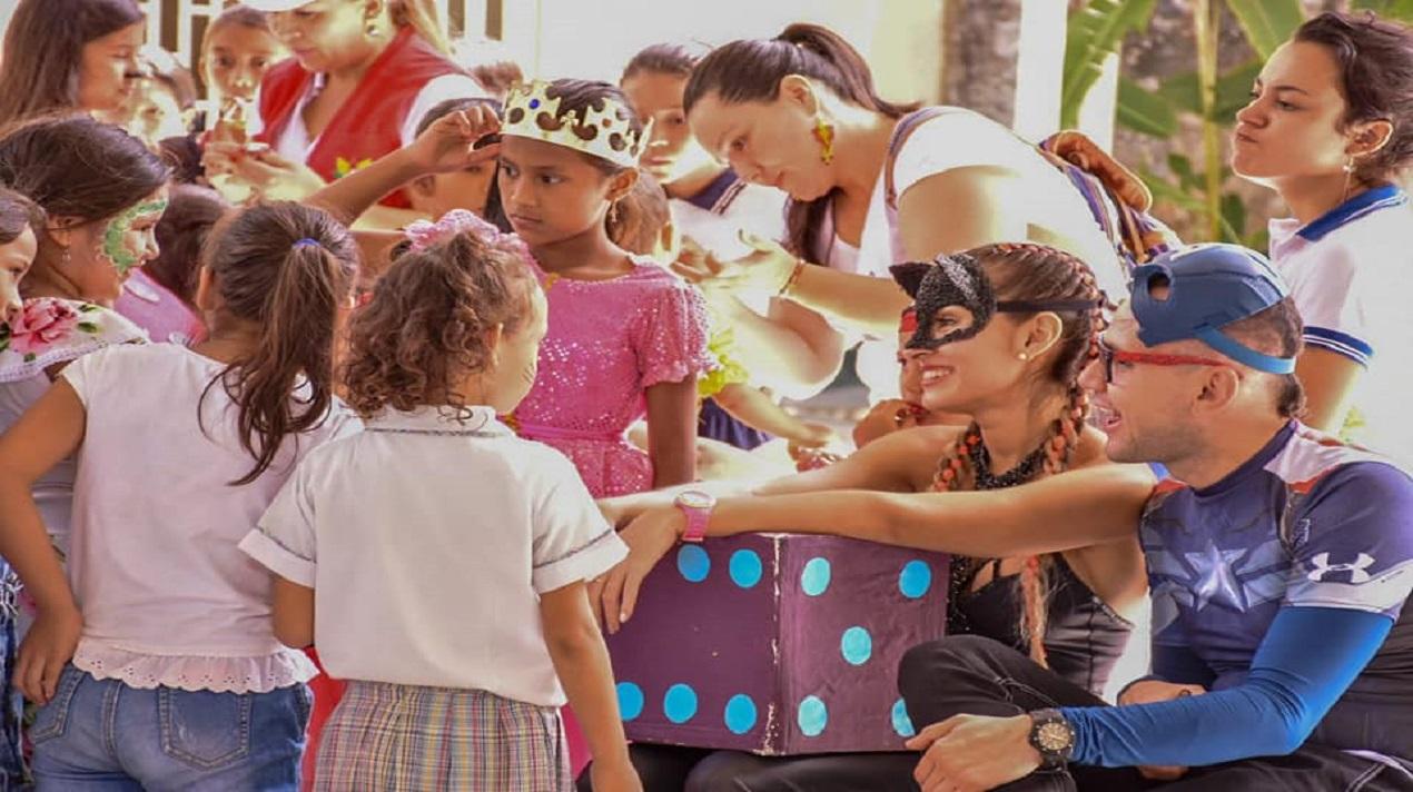ACTIVIDAD CON LOS NIÑOS EN LA INSTITUCIÓN EDUCATIVA ENRIQUE OLAYA HERRERA SEDE LAS CAMELIAS